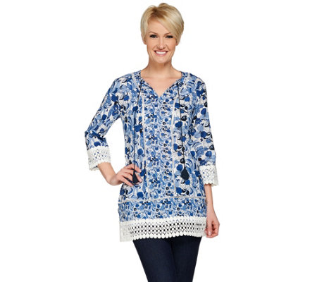 C. Wonder Printed 3/4 Sleeve Woven Tunic with Lace Trim Details
