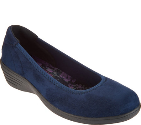 Skechers Skimmer Slip-Ons Wedges - Lounge Around
