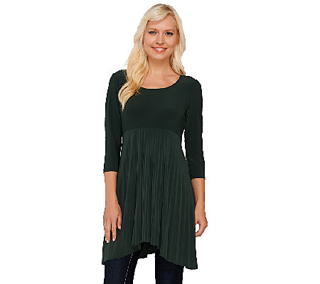 Attitudes by Renee Regular 3/4 Sleeve Pleated Top