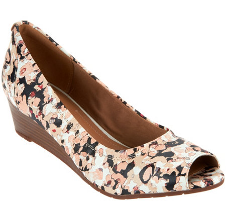 Clarks Artisan Leather Peep-toe Wedges - Vendra Daisy