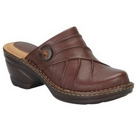 Softspots Laurel Pleated Clogs