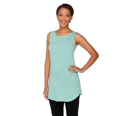 LOGO Layers by Lori Goldstein Slub Knit Curved Hem Tank