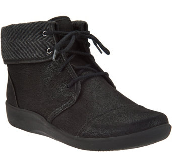 Clarks Cloud Steppers Lace-up Ankle Boots - Sillian Frey - A284606