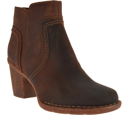 """As Is"" Clarks Artisan Leather Stacked Heel Ankle Boots - Carleta Paris"