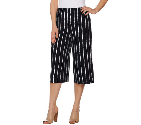 Susan Graver Printed Liquid Knit Pull-On Capri Pants