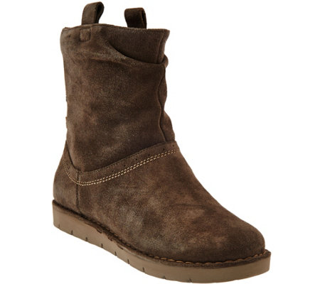 """As Is"" Clarks Unstructured Suede Boots Un.Ashburn"