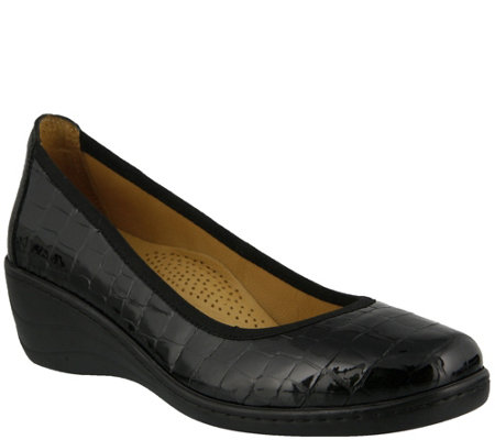 Spring Step Slip-on Patent Leather Shoes - Kartii