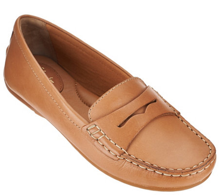 """As Is"" Clarks Artisan Leather or Nubuck Loafers - Doraville Nest"