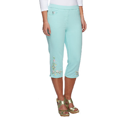 Quacker Factory DreamJeannes Floral Embroidered Capri Pants