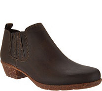Clarks Artisan Nubuck Leather Pull-on Shooties - Wilrose Jade - A295319