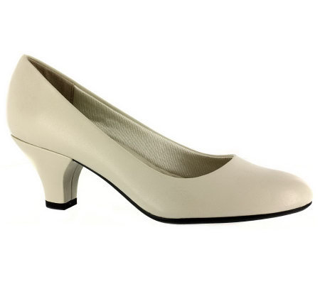 Easy Street Fabulous Basic Pumps