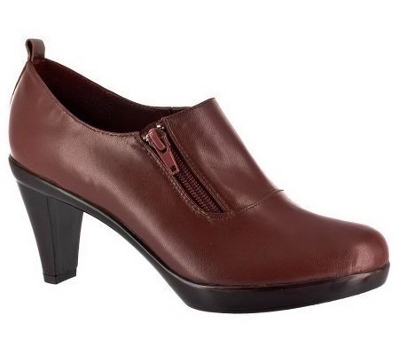 Bella Vita Witty Side-Zip Shooties