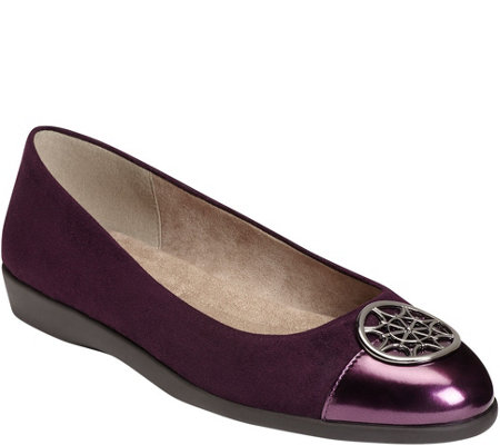 A2 by Aerosoles Casual Flats - Trend Book