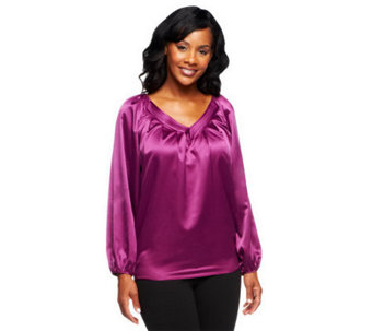 G.I.L.I. Sateen V-Neck Long Sleeve Pleated Blouse - A237625