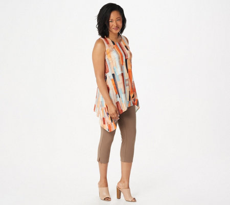 Women with Control Petite Printed Tunic with Capri Pants Set