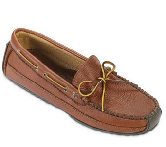 Minnetonka Men's Moosehide Weekend Moccasins - A208729