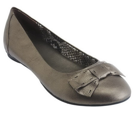 Clarks Bendables Leather Flats w/ Bow Detail - Poem Court