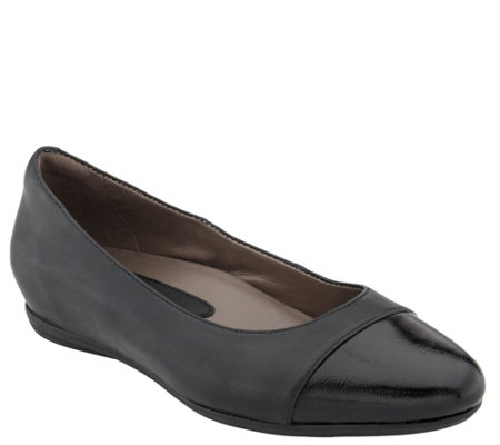 Earthies Leather Slip-on Flats - Hanover