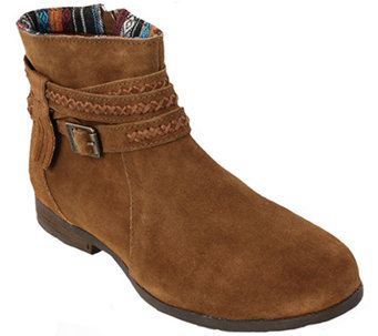 Minnetonka Suede Leather Ankle Boots - Dixon - A338533