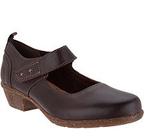 Clarks Artisan Low Heel Adjustable Mary Janes - Wilrose Glen - A296334