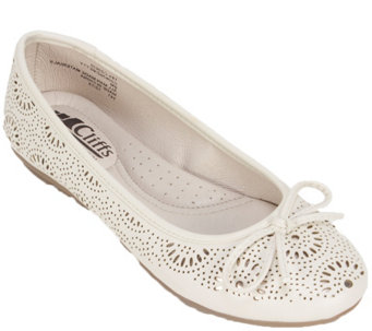 Cliffs by White Mountain Ballet Flats - Betty - A340343
