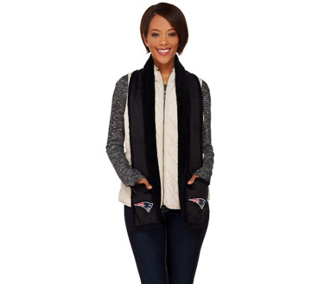 NFL Sherpa Lined Scarf with Pockets