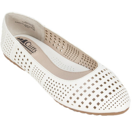 Cliffs by White Mountain Ballet Flats - Swerve