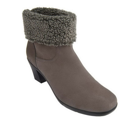 """As Is"" Clarks Bendables Dream Darling Water Resistant Suede Boots"