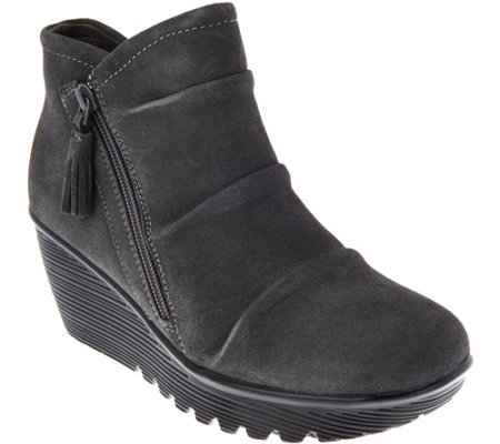 skechers ruched suede wedge boots parallel universe