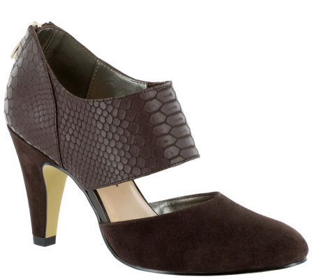 Bella Vita Leather Pumps - Neola