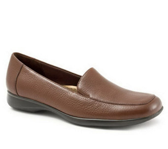 Trotters Jenn Soft Tumbled Leather Casual Slip-On Loafers - A312351