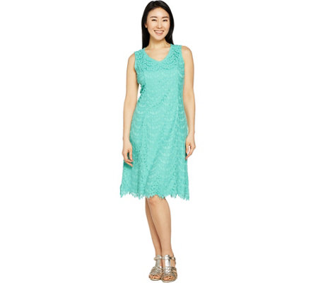 Isaac Mizrahi Live! Petite Scallop Lace Knee Length Dress