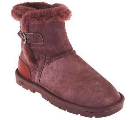 Lamo Sporty Suede Ankle Boots w/ Faux Fur Lining