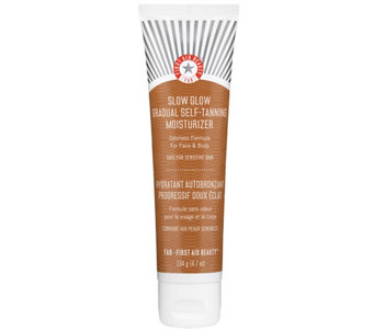 First Aid Beauty Gradual Self-Tanning Moisturizer - A356060