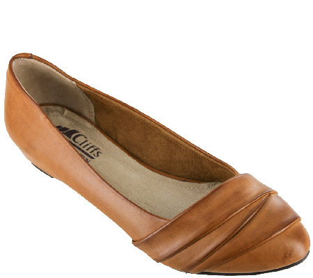 Cliffs by White Mountain Hidden Wedge Slip-ons- Penny