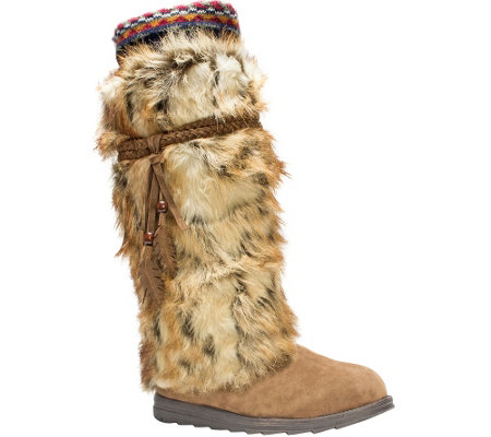 MUK LUKS Leela Boots with Faux Fur, Feather Det ails