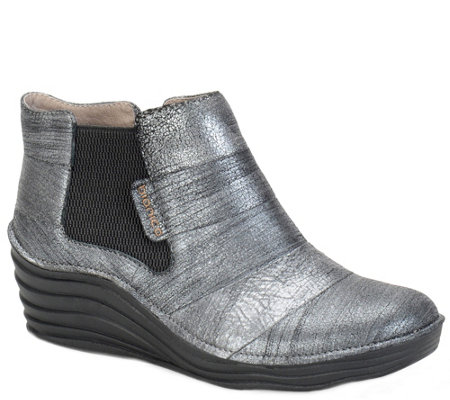 Bionica Leather Slip-on Wedge Shooties - Focal