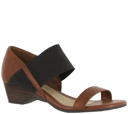Bella Vita Wedge Sandals - Palmer II
