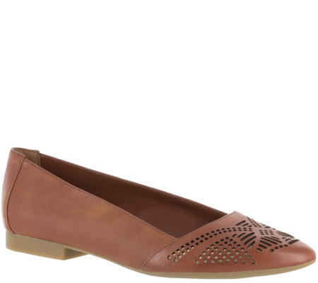 Bella Vita Leather Perforated Flat - Owen
