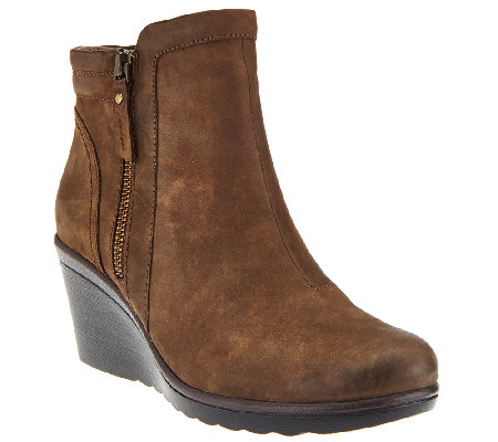 Earth Leather Wedge Ankle Boots w/ Side Zipper - Cardinal