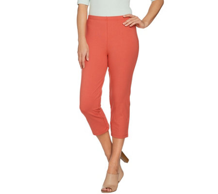 Women with Control Petite Pull-On Tushy Lifter Capri Pants