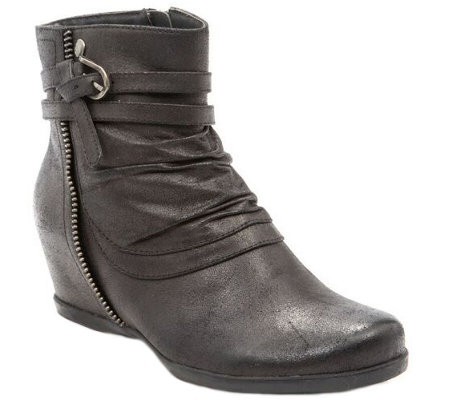 Baretraps Ankle Boots - Quaint