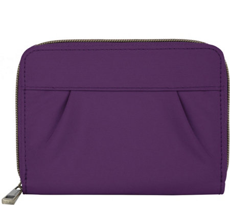 Travelon Signature Pleated Passport Wallet