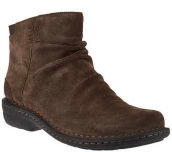 """As Is"" Clarks Artisan Suede Back Zip Ankle Boots - Avington Swan - A290371"