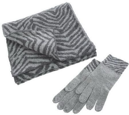 Luxury Divas Leopard Print Fleece 3-Piece Hat Scarf & Gloves Matching Winter Set.