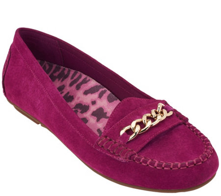Vionic Orthotic Suede Moccasins w/ Chain - Mesa