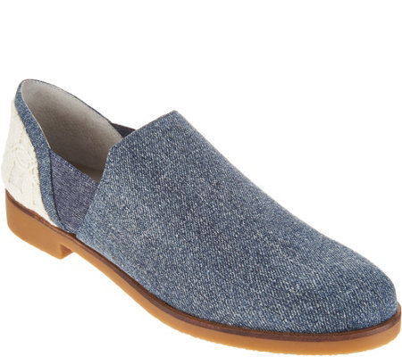 Lori Goldstein Collection Low Ankle Slip-On with Elastic Goring