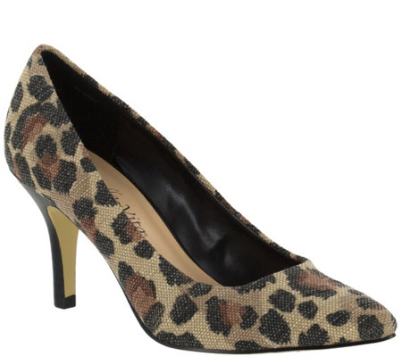 Bella Vita Printed Pointed-toe Pumps - Define Print