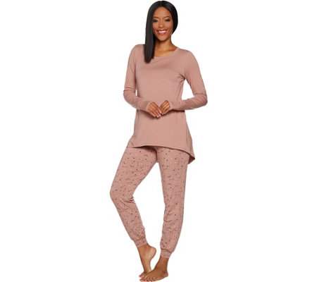 AnyBody Loungewear Cozy Knit Novelty Print Pajama Set