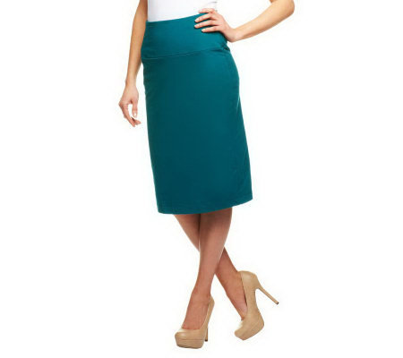 Women with Control Pull-on Knit Skirt with Tummy Panel